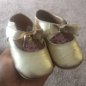 Gently used baby shoes